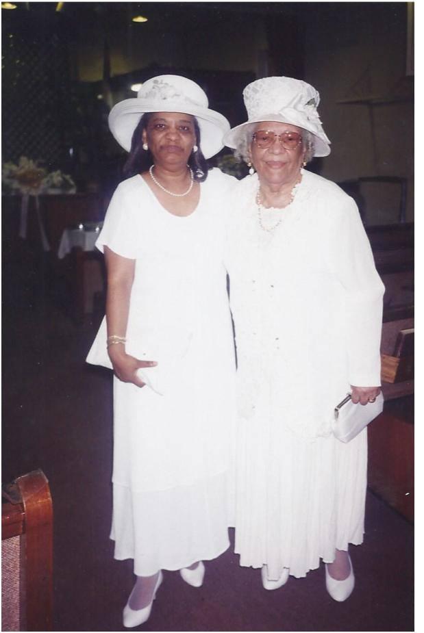mom-and-granny